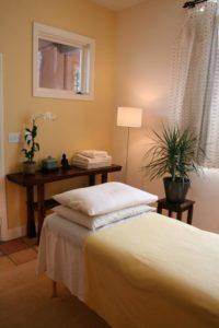 Inside Tao to Wellness in Berkeley California. Our acupuncture clinic is a calm and tranquil place to relax with your acupuncturist.